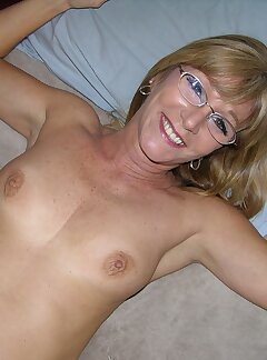 Naked Wife Pussy Pictures