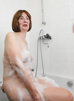 GILF Pussy Pictures